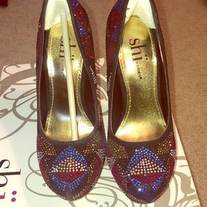 Shi by Journeys jeweled pumps